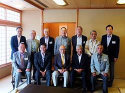 三浦先生の卒寿、同期会の古希を祝う昭和四十二年卒商学部三浦ゼミ同期会