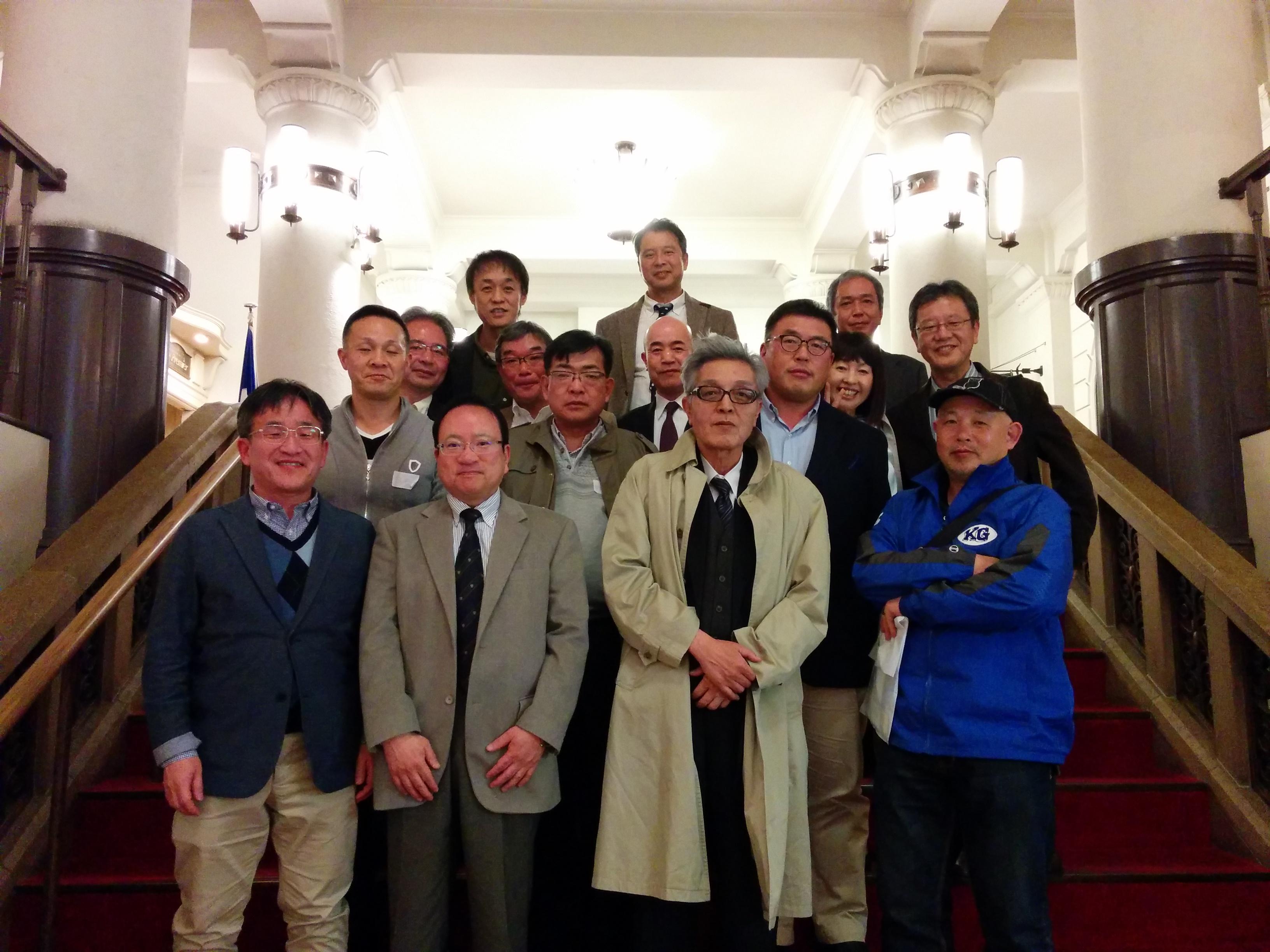ゼミ2期生による田中先生定年退職祝の会