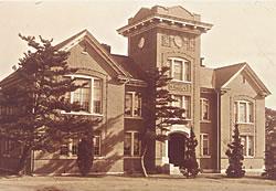 神学館/1912(M45).4.18献堂式