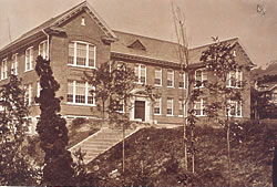 文学部校舎/1922(T11).11.25竣工